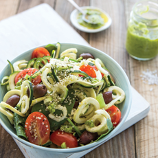 Organic-raw-zuccini-pasta-with-basil-sauce